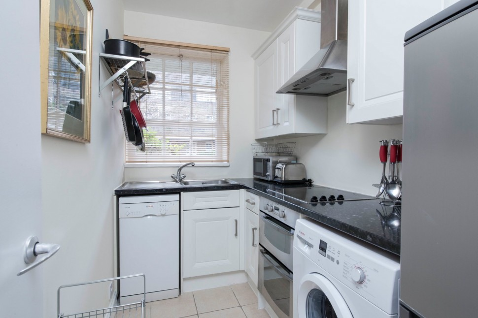 Images for White House, Vicarage Crescent, Battersea EAID:1a924ae205f5618616ccf3263c3316b7 BID:1